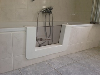 Modifica Vasca Da Bagno Per Anziani Prezzi : Vasca con sportello per anziani e disabili napoli tecnobad sud